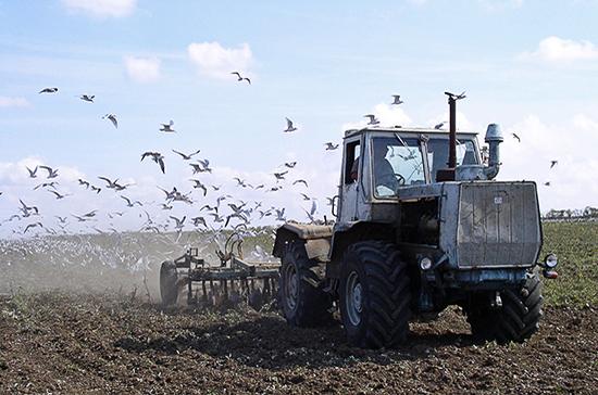 В России хотят ввести единые требования по использованию тракторов