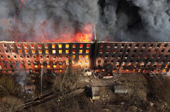 СМИ: поджог назван предварительной причиной пожара на «Невской мануфактуре»