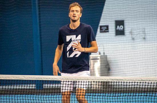 Теннисист Даниил Медведев сдал положительный тест на коронавирус