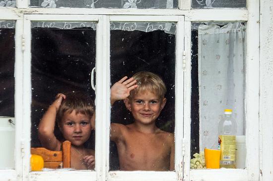 Многодетные семьи смогут потратить 450 тысяч рублей на строительство дома