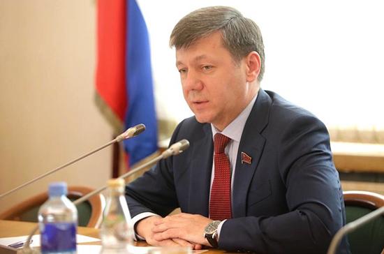 Новиков: от США можно ждать всё более болезненных для России санкций