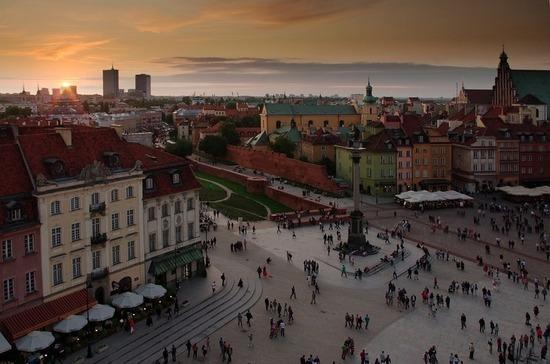 Польша выслала трех российских дипломатов