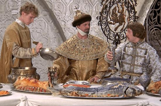 В Кремле стало сложнее выпить и закусить