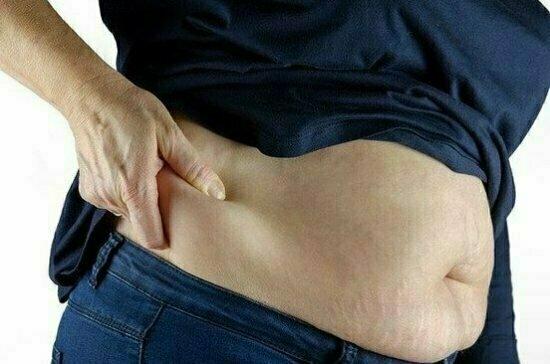 Диетолог рассказал, как избавиться от жира на животе