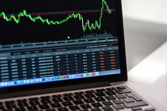 Сложные финансовые инструменты хотят запретить продавать «новичкам»