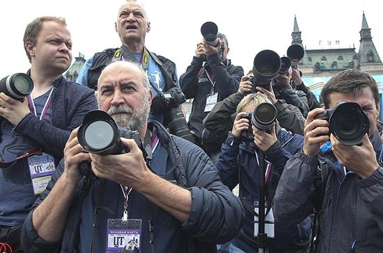 За участие в митингах под видом журналистов хотят штрафовать