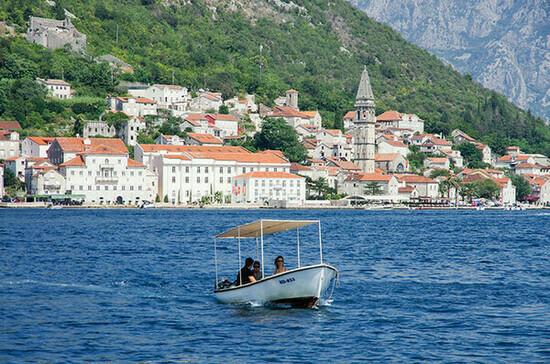 Черногория отменит ограничения для российских туристов
