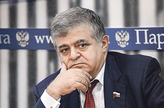 Джабаров: в предложении Зеленского о встрече с Путиным в Донбассе нет никакого смысла
