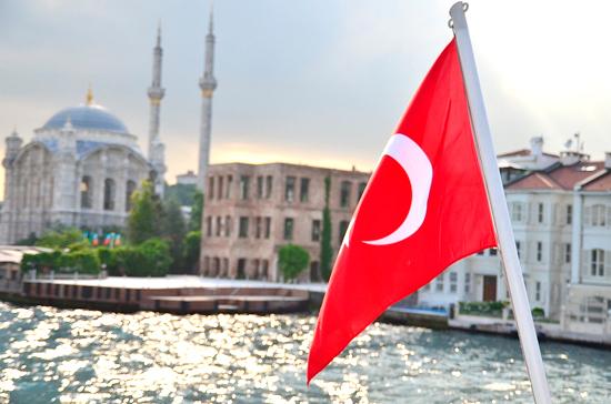 В Турции ввели трёхдневный локдаун