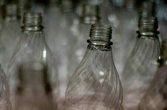 Панченко предложил запретить использование неперерабатываемого пластика