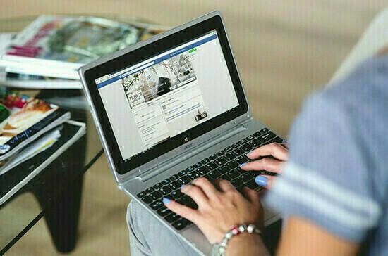 Сенаторы одобрили закон о квоте для соцрекламы в Интернете