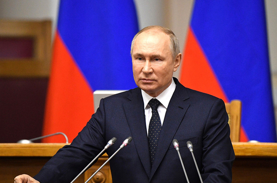 Путин предостерёг от пустословия и популизма на выборах в Госдуму
