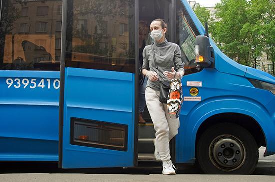 В московском транспорте усилили контроль за ношением масок и перчаток