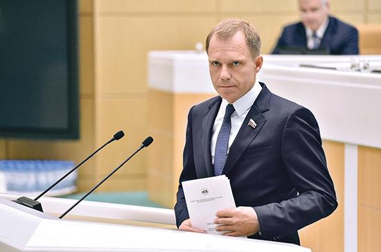 Кутепов предложил не признавать самовольными постройками подвалы и мансарды домов