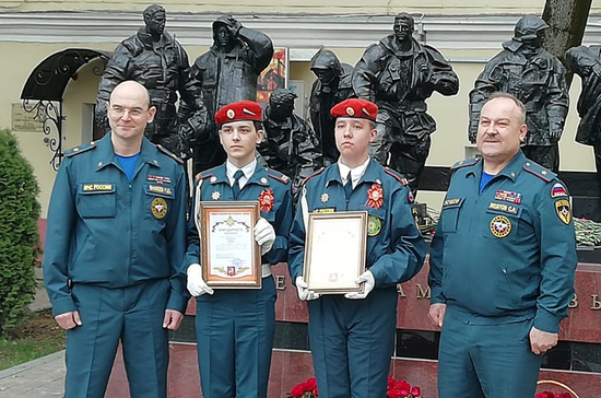 Кадетов из Иркутской области наградят за спасение людей при пожаре в гостинице