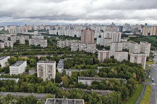 В Москве два человека пострадали из-за урагана