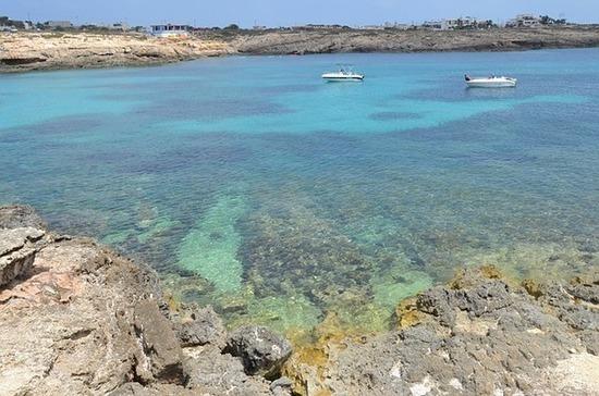 Итальянские СМИ сообщили о выросшем в разы потоке мигрантов на остров Лампедуза
