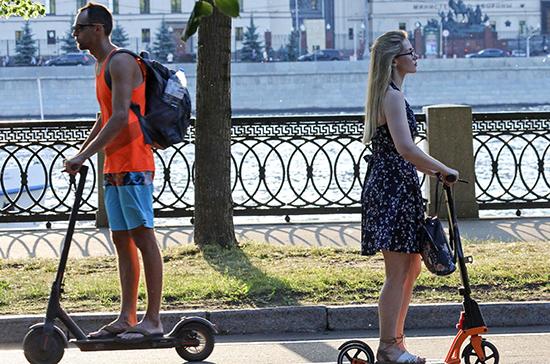 В Петербурге арендным самокатам ограничат скорость и запретят парковку у метро