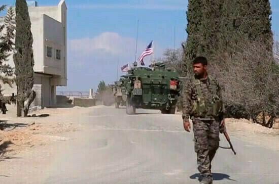 Российские военные остановили в Сирии боевую колонну США