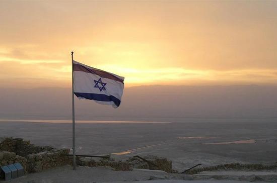 Глава МИД Ирана отменил визит в Австрию из-за поднятого в Вене флага Израиля