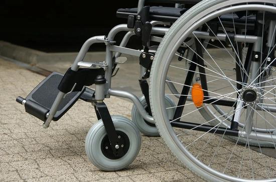Путин поручил разработать новые меры соцподдержки для ухаживающих за детьми-инвалидами