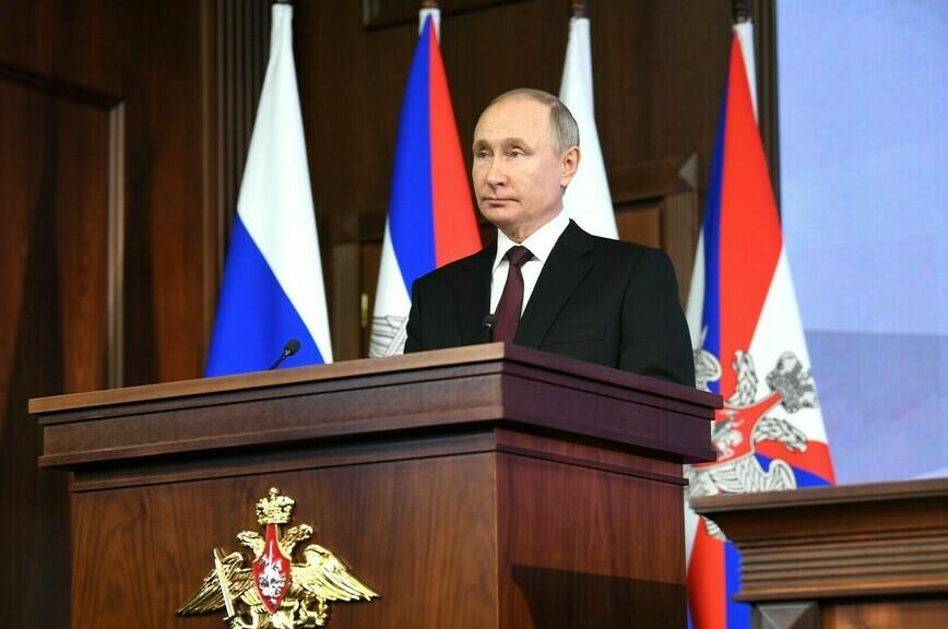Путин поручил разработать меры по развитию инфраструктуры детских лагерей