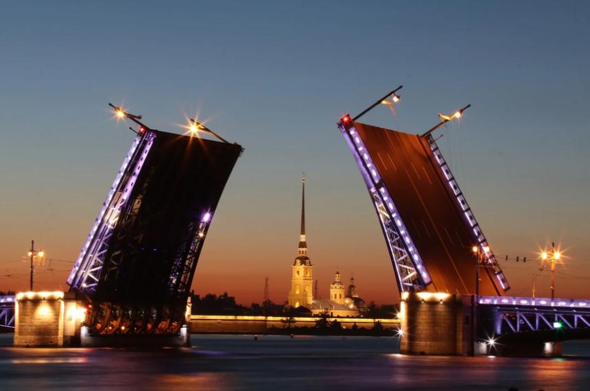 Сколько лет Петербург был столицей