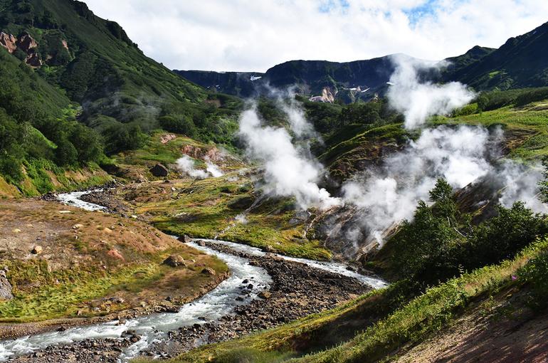 В кабмине разработают план развития туризма в Долине гейзеров