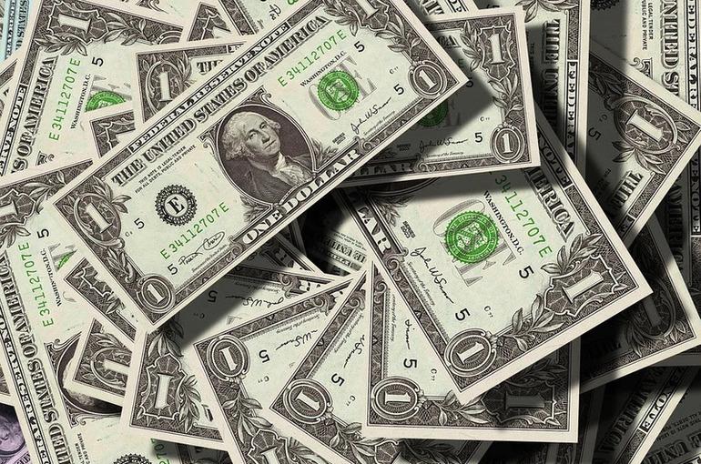 Минфин может ослабить валютный контроль для несырьевых экспортёров