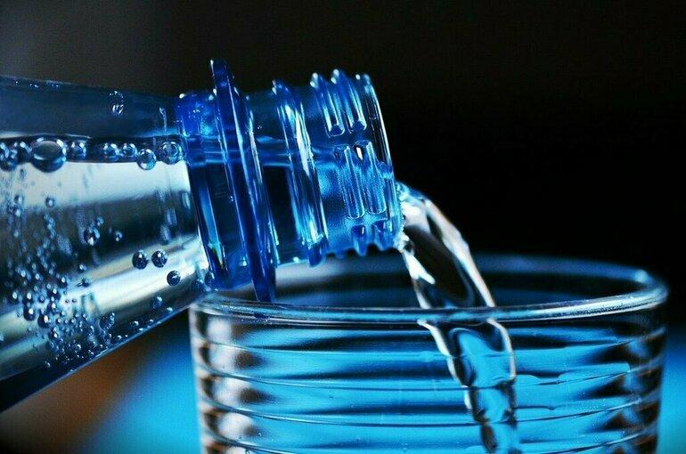 Маркировку бутилированной воды предложили начать с марта 2022 года