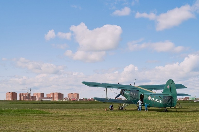 Ан-2 совершил жёсткую посадку в Тюменской области