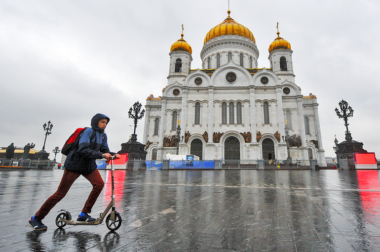 Москва хочет замедлить самокаты