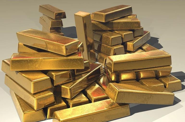 Кабмин разрешил инвестировать средства ФНБ в золото