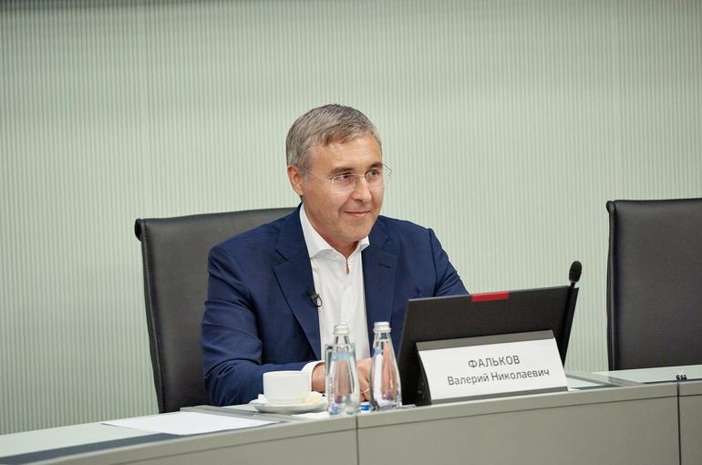 Фальков: статус молодого учёного закрепят законодательно в 2021 году