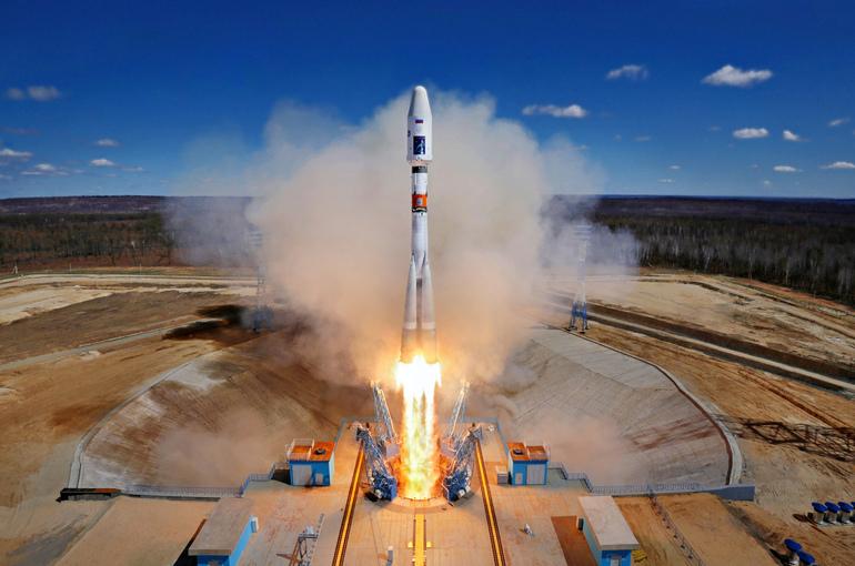 Роскосмос планирует в июне внести в правительство доработанную лунную программу