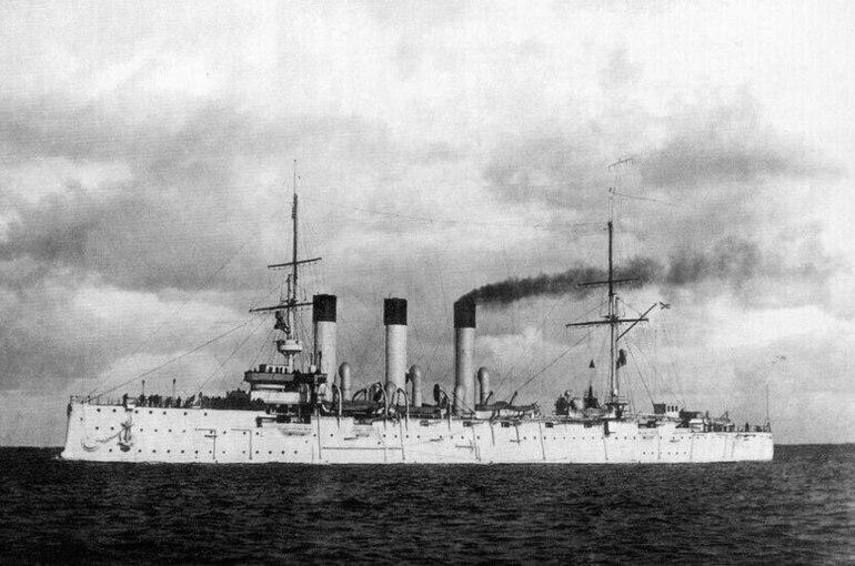 Крейсер «Аврора» спустили на воду 121 год назад