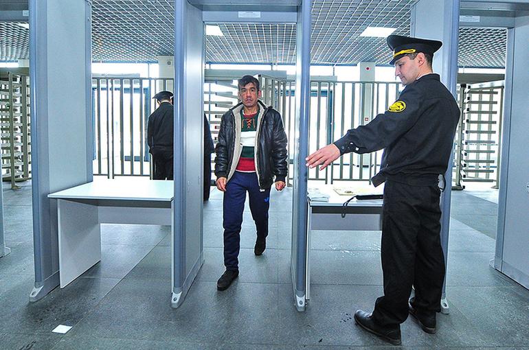 СК поддержал идею о замене трудовых мигрантов осуждёнными