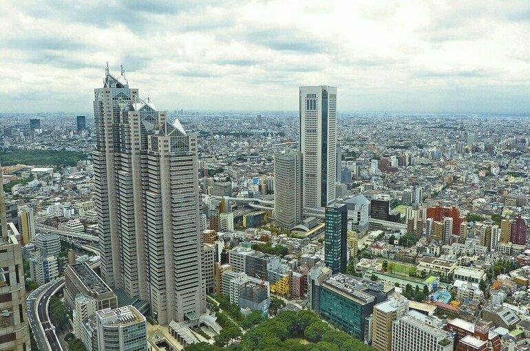 Власти Японии намерены ускорить темп вакцинации