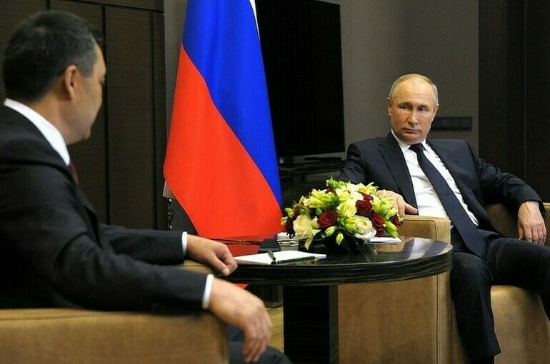 Путин обсудил с Жапаровым ситуацию на киргизско-таджикской границе