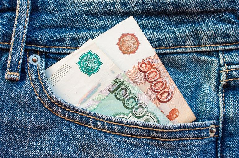Долги по зарплате в России снизились на 10,3%