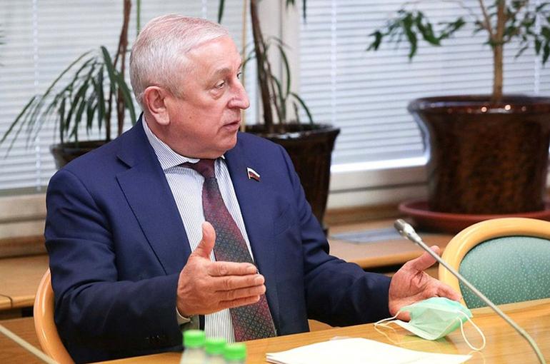 Харитонов призвал повысить доступность льготных авиабилетов для дальневосточников