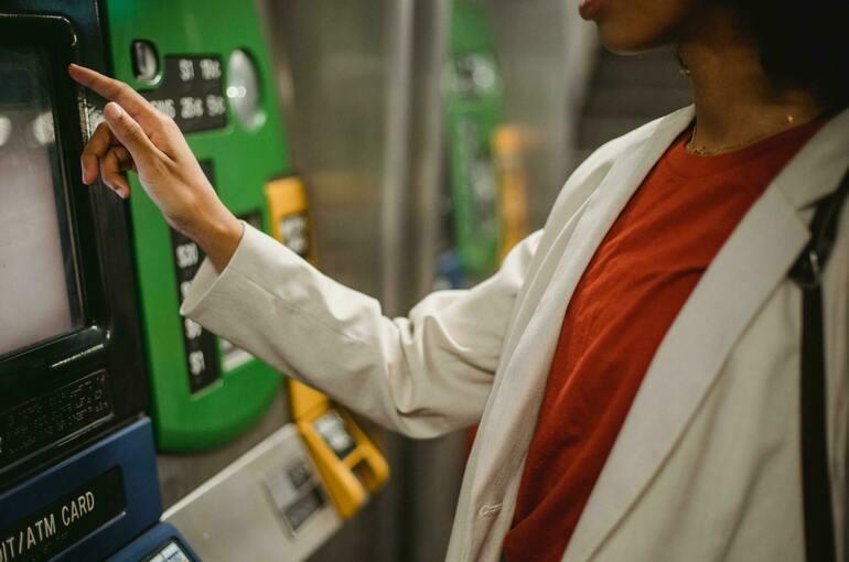 СМИ: банки и МФО обязали обеспечивать возможность погашения займа офлайн