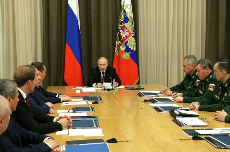 Путин заявил об укреплении потенциала ядерной триады России