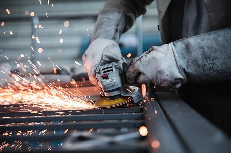 Промышленное производство в России выросло на 7,2% в апреле