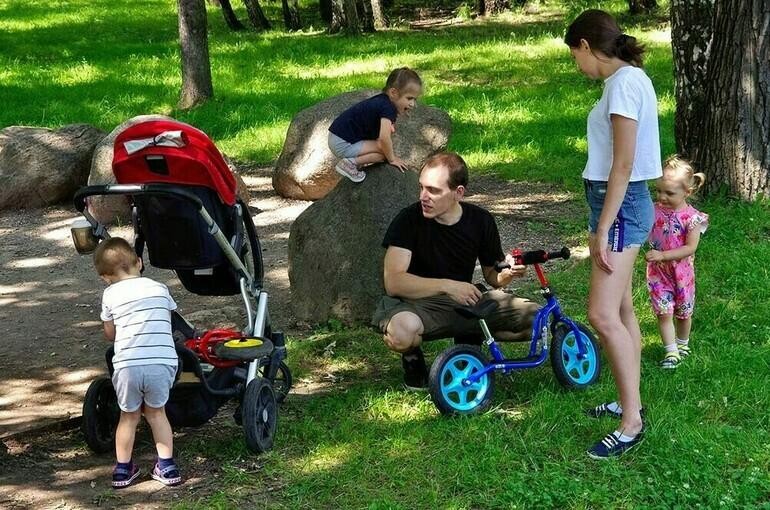 Путин подписал закон о новых мерах господдержки беременных и семей с детьми