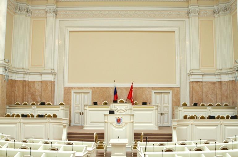 В Петербурге выбрали двух почётных граждан