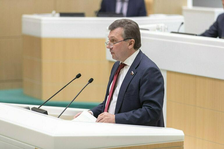 Сенатор призвал просчитать целесообразность найма осуждённых на стройки
