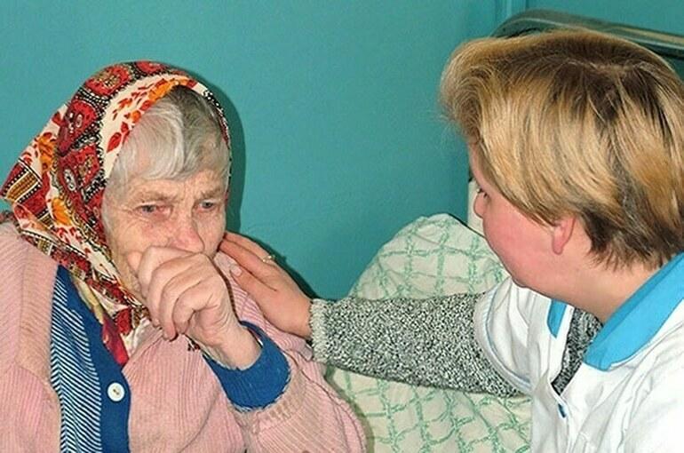 Регионам выделят субсидии на проекты по долговременному уходу за пожилыми