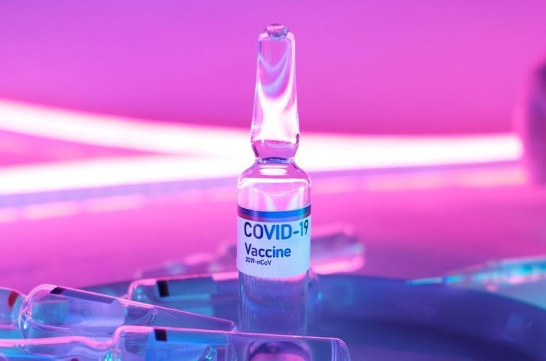 В Роспотребнадзоре рассказали об эффективности вакцин от COVID-19