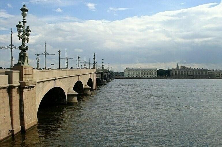 Троицкий мост через Неву открылся 118 лет назад